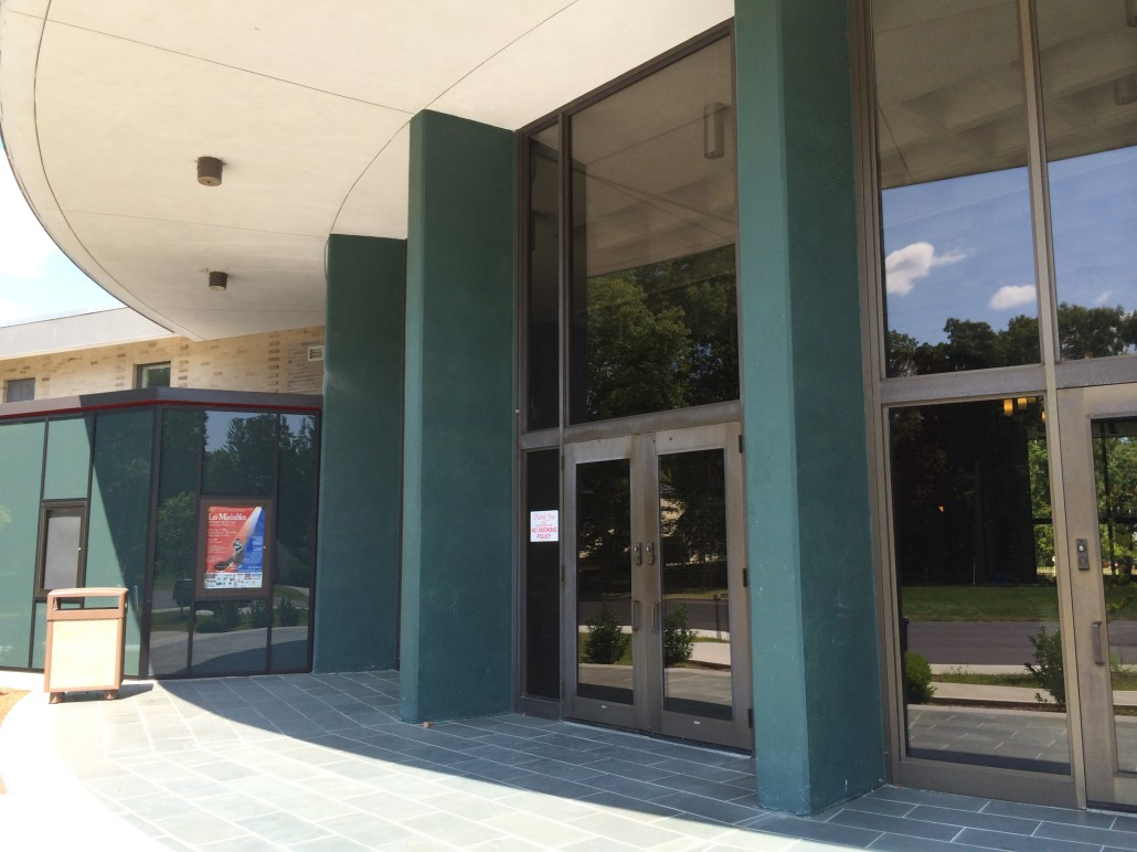 Hyde School Putnam Ct Ne Glass And Mirrorne Glass And